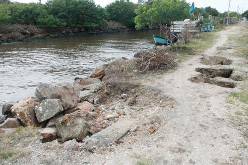 Molhe do Rio Iriri já começou a se desmanchar - Foto: Diarinho Online