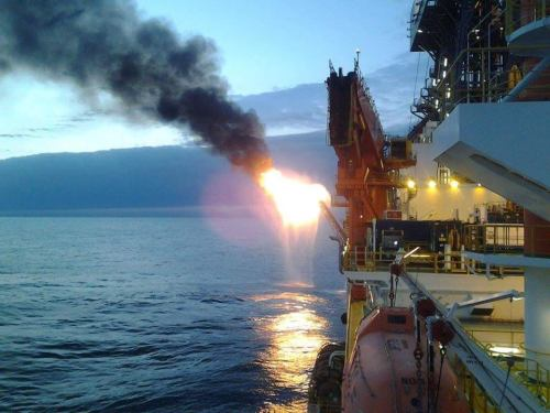 Burn, baby, burn! Foto: Tripulação West Carina - NS 48