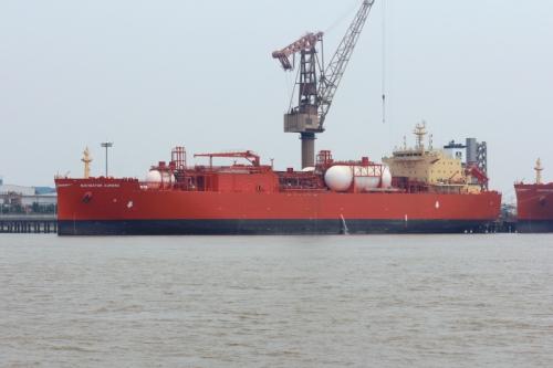 Navigator aurora era, até então, juntamente com o Navigator Eclipse, o maior navio pára transporte de etanol do mundo