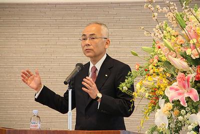 Tadaaki Naito - É fundir ou acabar.